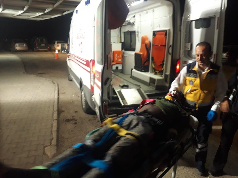 Su kanalına uçan otomobilde 6 göçmen yaralandı