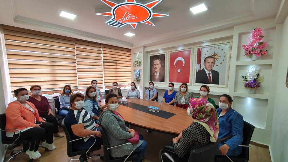 AK Parti'de Kadın Kolları Yeniden Oluşturuluyor.