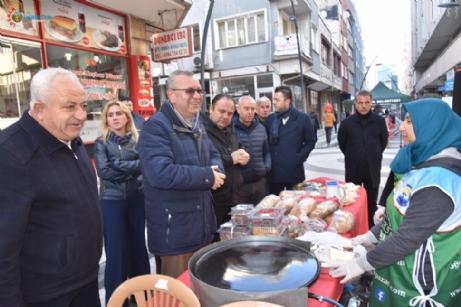 Keşan'da İzzeti İkram Pazarı Kuruldu.
