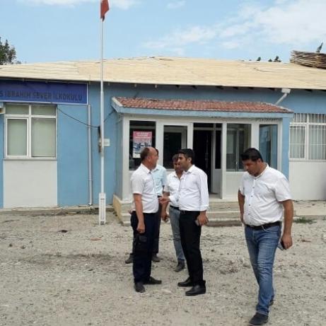 Aslantatar, Okulları İnceledi.