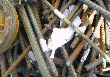 Belediyenin hurda malzemelerini çalmak isteyen şahıs yakalandı