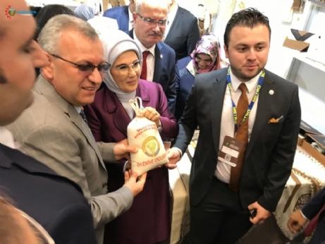 Emine Erdoğan'a Yöresel Ürünlerimizi Tanıttık...