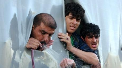 İpsala'da TIR'ın dorsesinden 5 göçmen çıktı