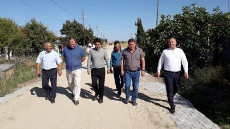 Aslantatar, Köylerde İncelemelerde Bulundu