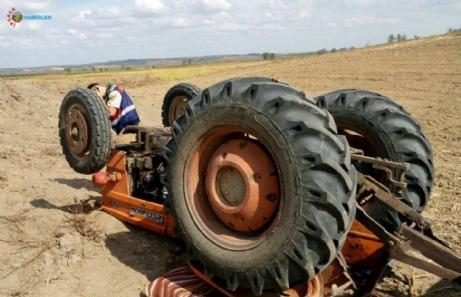 Traktör devrildi sürücüsü ağır yaralandı