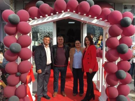 Yenikarpuzlu'ya Giyim Mağazası Açıldı.