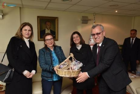 Ticaret Bakanı Ruhsar Pekcan'dan el emeği ürünlerinin Gümrük'te satışının yapılması konusunda tam destek