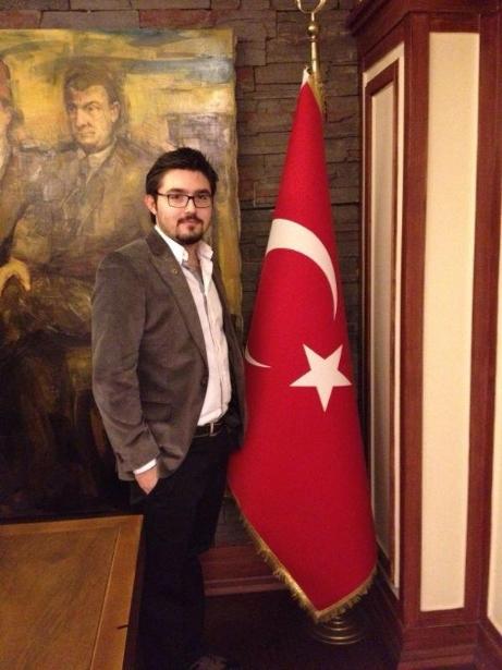 Dr. Aybars Şimşek, Bayrağı Devralıyor..