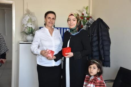 Aslantatar, Kadınlar Gününü Kutladı.